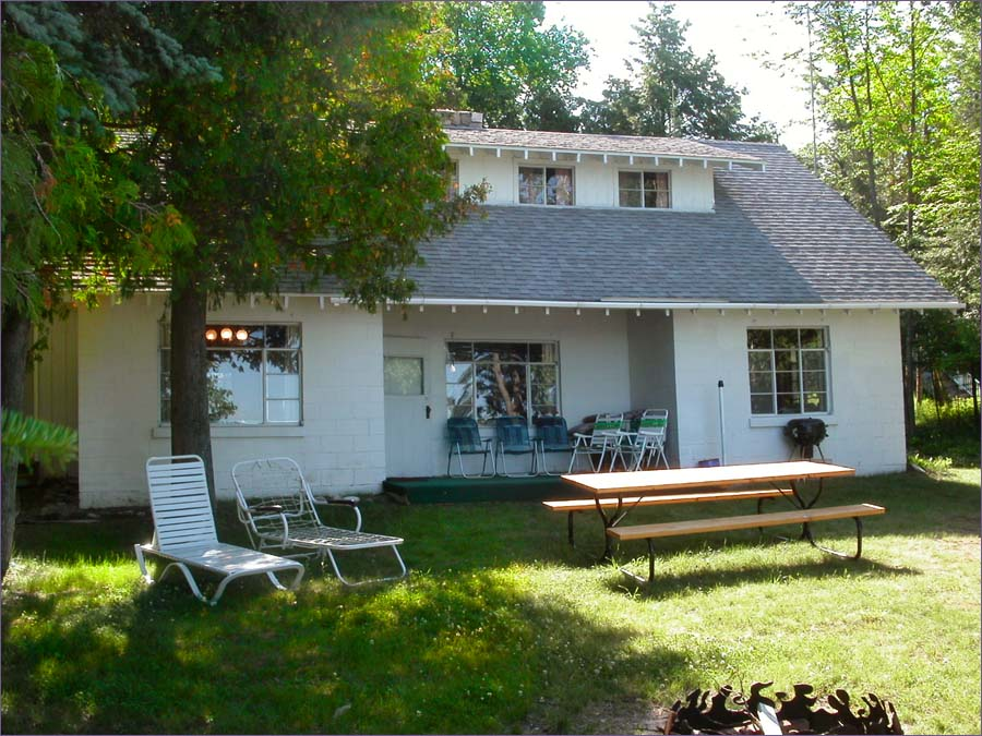 Torch Lake Cottage 3 Bedroom Lakefront W Dock Sleeps 9