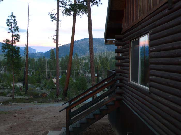 Yosemite national park lodging in nearby foresta half dome for Yosemite vacation cabins